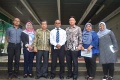 Foto bersama usai kunjungan yayasan korindo ke UNAS