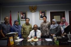 foto bersama Rektor UNAS, direktur dan wadir Abanas, dan tamu dari yayasan korindo