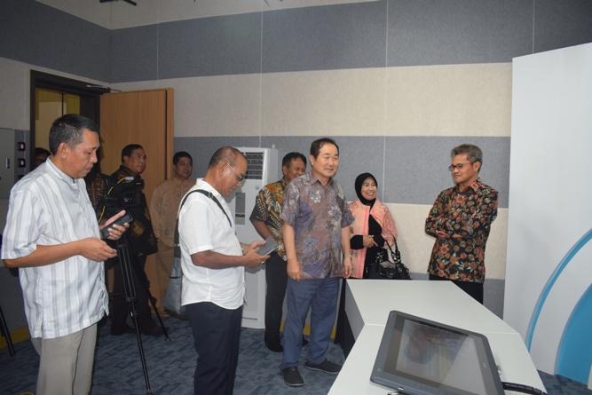Sekretaris Jenderal Kemenristek DIKTI, Prof Ainun Na'im & Para Pimpinan Universitas Nasional di Lab Bambu Kuning