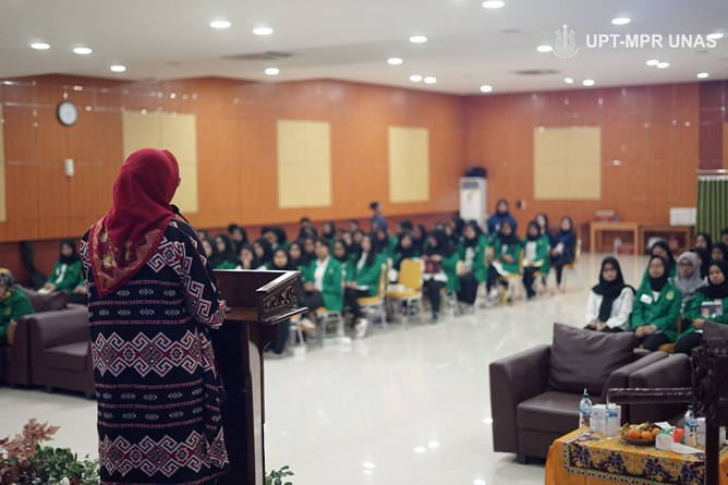 "Latihan Dasar Kepemimpinan ""LIT"" Literature To Create The Integrity And Team Work, Selasa (28/1) di Auditorium blok 1 lantai 4 Universitas Nasional"