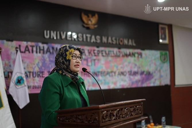 Dekan Fakultas Ilmu Kesehatan Dr. Retno Widowati, M.Si.