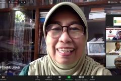 Wakil Rektor Bidang PPMK Universitas Nasional Prof. Dr. Ernawati Sinaga, M.S., Apt. saat memberikan sambutan dalam webinar flora papua yang diselenggarakan Lembaga Penelitian dan Pengabdian Kepada Masyarakat (LPPM) Universitas Nasional pada Rabu, (14/10) di Jakarta.