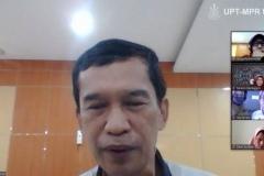 DekanFakultas Biologi Universitas Nasional Dr. Tatang Mitra Setia, M.Si  saat mengikuti webinar series
