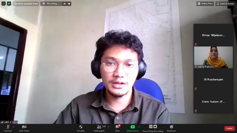 Tarakan CSR Staff PT. Pertamina EP Asset 5 Tarakan Field Luthfi Kurniawan Joshi saat mempresentasikan materinya dalam webinar CSR di situasi pandemi covid-19, Jumat (4/9), di Jakarta.