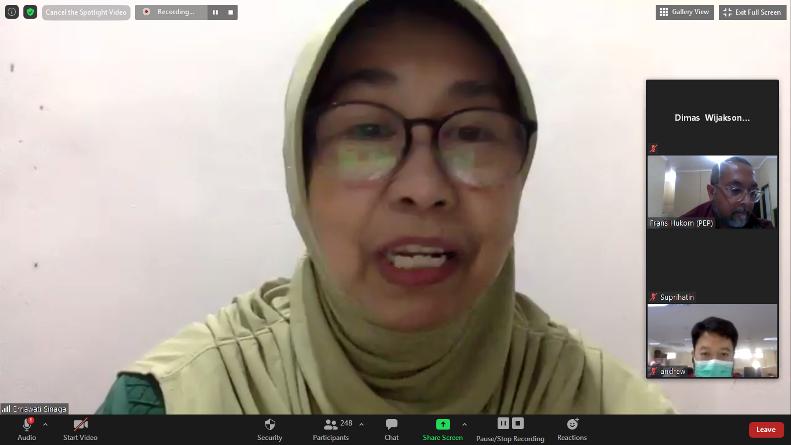 Wakil Rektor Bidang Penelitian dan Pengabdian Pada Masyarakat Prof. Dr. Ernawati Sinaga, M.S., Apt. saat memberika opening speech dalam webinar CSR di situasi pandemi covid-19, Jumat (4/9), di Jakarta.