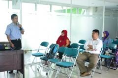 Dr. Tatang Mitra Setia saat membuka acara