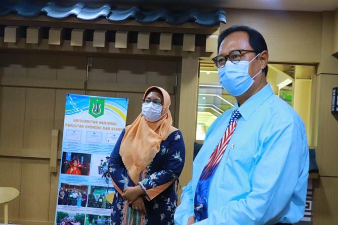 Sambutan dari Ketua Program Studi AkuntasiDr. Bambang Subiyanto, S.E.,M.Ak, CPA.