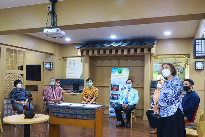 Pembukaan kegiatan Momerandum of Agreement di Ruang Korean Culture Center UNAS.