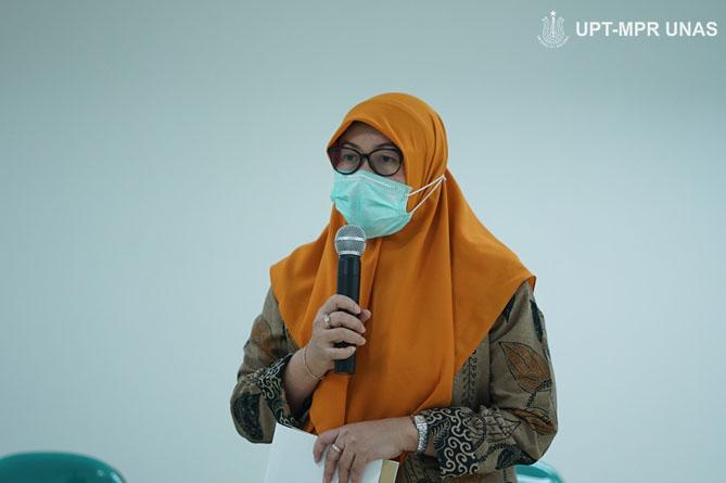 Dekan Fakultas Ilmu Kesehatan Dr. Retno Widowati, M.Si.  saat memberikan sambutan dalam kegiatan Penandatanganan Memorandum of Understanding (MoU) Universitas Nasional (UNAS) dengan  Pemerintah Kabupaten Kepulauan Tanimbar pada Kamis, (8/10) di gedung menara dua Unas, Ragunan, Jakarta.