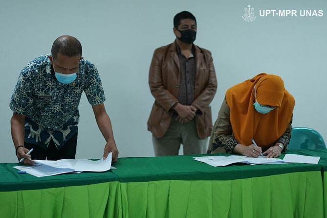 Penandatanganan Perjanjian Kerja Sama (PKS) antara Fakultas Ilmu Kesehatan dengan Dinas Kesehatan Kepulauan Tanimbar pada Kamis, (8/10) di gedung menara dua Unas, Ragunan, Jakarta.