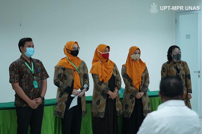 Para dosen di lingkungan FIKES UNAS saat kegiatan Penandatanganan Memorandum of Understanding (MoU) Universitas Nasional (UNAS) dengan  Pemerintah Kabupaten Kepulauan Tanimbar pada Kamis, (8/10) di gedung menara dua Unas, Ragunan, Jakarta.