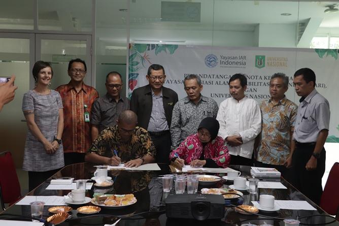 Penandatanganan Nota Kesepahaman Universitas Nasional dengan Yayasan Inisisasi Alam Rehabilitasi Indonesia (YIARI) tentang penyelenggaraan program konservasi keanekaragaman hayati pada selasa (25/6) di ruang rapat LPPM UNAS