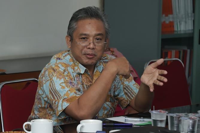 Dekan Fakultas Pertanian Ir. Inkorena G.S. Sukartono, M.Agr