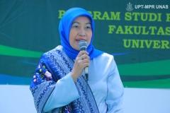Dekan Fakultas Ilmu Kesehatan Dr. Retno Widowati, M.Si. saat memberikan kata sambutan dalam acara pelantikan dan angkat sumpah profesi ners angkatan I tahun akademik 2020/2021, pada Sabtu 09 Januari 2021