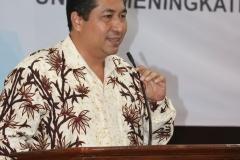 Wakil rektor bidang akademik Prof. Dr. Iskandar Fitri, S.T., M.T. saat memberikan sambutan didepan para guru