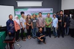 Foto Bersama Narasumber dan Mahasiswa