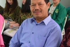 Dekan Fakultas  Bahasa dan Sastra (Drs Somadi, M.Pd)