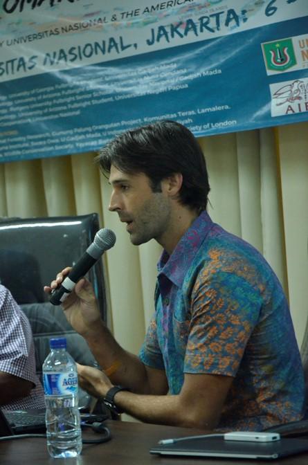 Jonathan saat presentasi tentang konservasi Papua Barat