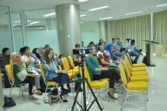 Peserta seminar dan narasumber presentasi
