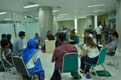 group discussion 1 yang terdiri dari peserta dan eo seminar