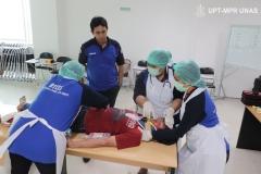 mahasiswa-secara-berkelompok-melakukan-pelatihan-btcls-2
