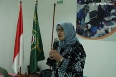 sambutan-dari-Dekan-FIKES-Dr.-Retno-Widowati-M.Si_.-dalam-pembukaan-acara