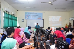 Pengabdian Masyarakat-Pelatihan E-Learning Moodle (7)