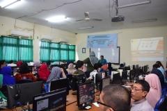 Pengabdian Masyarakat-Pelatihan E-Learning Moodle (1)