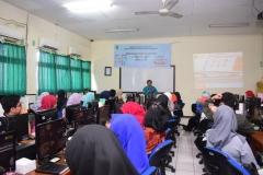 Pengabdian Masyarakat-Pelatihan E-Learning Moodle (4)