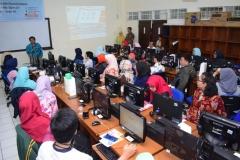 Pengabdian Masyarakat-Pelatihan E-Learning Moodle (6)