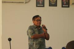 Wakil-Rektor-Bidang-Administrasi-Umum-Keuangan-dan-SDM-Prof.-Dr.-Eko-Sugiyanto-M.Si-dalam-Sambutannya