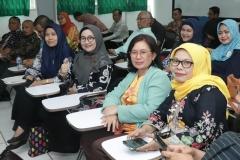 Para peserta pelatihan pengelolaan e-learning