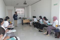 Pemberian materi oleh salah satu narasumber dalam pelatihan CWCCA