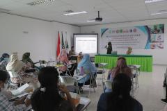 Presentasi kelompok dalam kegiatan pelatihan CWCCA