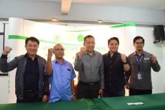 foto bersama Warek Bidang Kemahasiswaan UNAS (tengah) beserta panitia dari INAPGOC