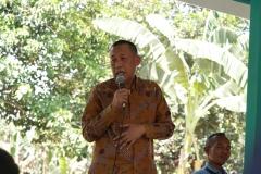 Wakil Rektor Bidang Kemahasiswaan memberikan sambutan dalam pembukaan acara pelatihan