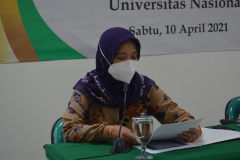 Pembacaan SK Yudisium oleh Wakil Dekan FIKES Unas, Rukmaini, SST., M.Keb.