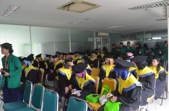 Pelepasan Wisudawan & Wisudawati Fakultas Biologi Tahun Akademik 2017-2018 (4)