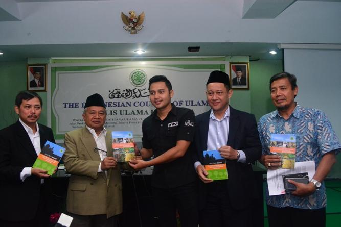 Foto Bersama dengan perwakilan media