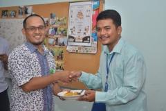 Foto Bersama Wakil Dekan II FISIP Aos Yuli Firdaus, S.IP., M.Si. dan Mahasiswa Ilkom