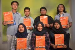 Foto Bersama mahasiswa Ilmu Komunikasi dengan Majalah Interaksi