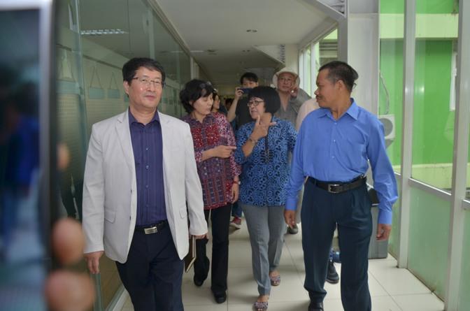 Delegasi Kyungpook Berkeliling Gedung Universitas Nasional 5