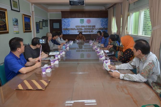Saat berdiskusi Unas (Indonesia) dengan kyungpook university (korea selatan)