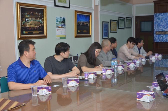 Saat berdiskusi Unas (Indonesia) dengan kyungpook university (korea selatan)2