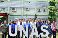 Foto Bersama ditaman Unas