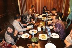 makan siang bersama segenap pimpinan UNAS dengan delegasi dari Cyber Hankuk University of Foreign Studies (2)