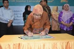 Penandatanganan Komitmen realisasi 140 standar universitas nasional 20
