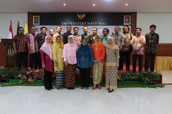 Foto bersama Universitas Nasional dan University Malaysia Sabah