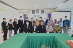 Foto bersama Pimpinan Fakultas dan Prodi di Lingkungan UNAS dan Pimpinan Universitas Narotama dalam acara penandatanganan MoU dan MoA di Ruang Seminar Blok 1 Lantai 4 Unas, Rabu 16 Juni 2021