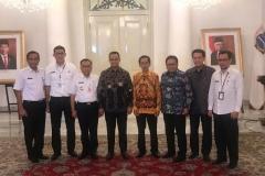 Foto Bersama setelah Penandatanganan MoU Pengembangan Wisata Kepulauan Seribu di Pemda DKI Jakarta